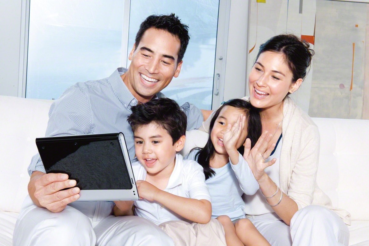 Family_Tablet_No_More_TV
