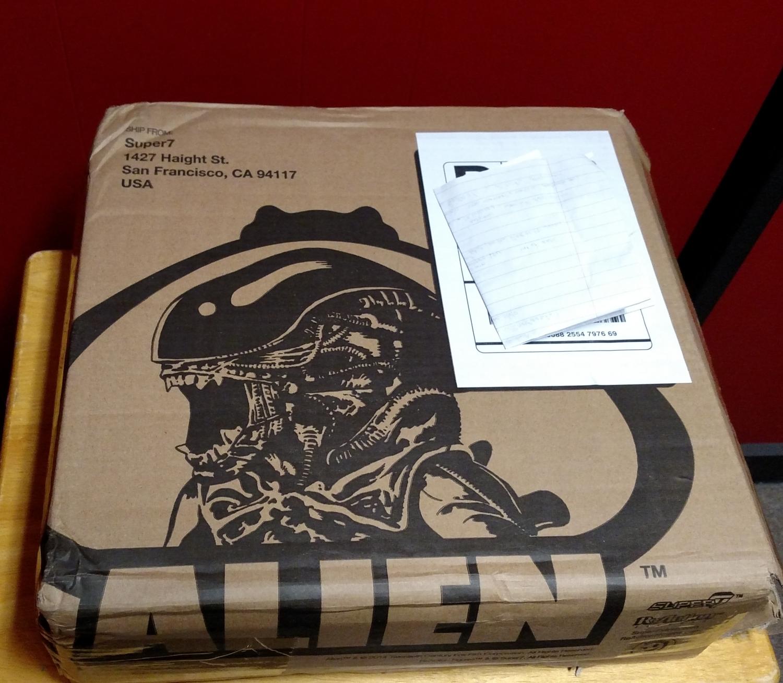 Alien Egg Chamber - Shipping Box