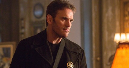 "WAYWARD PINES:  Ethan (Matt Dillon) in the ""Cycle"" season finale episode of WAYWARD PINES airing Thursday, July 23 (9:00-10:00 PM ET/PT) on FOX.  ©2015 Fox Broadcasting Co.  Cr:  Liane Hentscher/FOX"