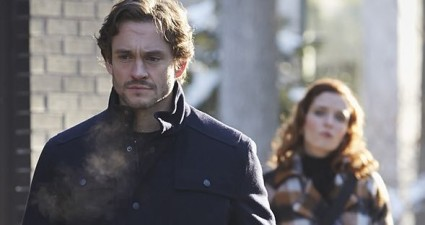 "HANNIBAL -- ""...and the Woman Clothed with the Sun"" Episode 309 -- Pictured: (l-r) Hugh Dancy as Will Graham, Lara Jean Chorostecki as Freddie Lounds -- (Photo by: Ian Watson/NBC)"