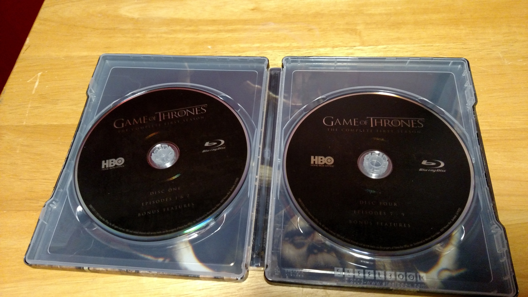 Game of Thrones SteelBook Inside - Discs Stacked