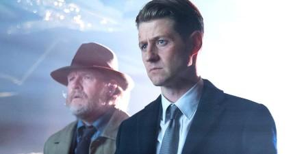 "GOTHAM: L-R: Donal Logue and Ben McKenzie in the ""Mad City: Ghosts"" episode of GOTHAM airing Monday, Jan. 16 (8:00-9:01 PM ET/PT) on FOX. Cr: Jeff Neumann/FOX."