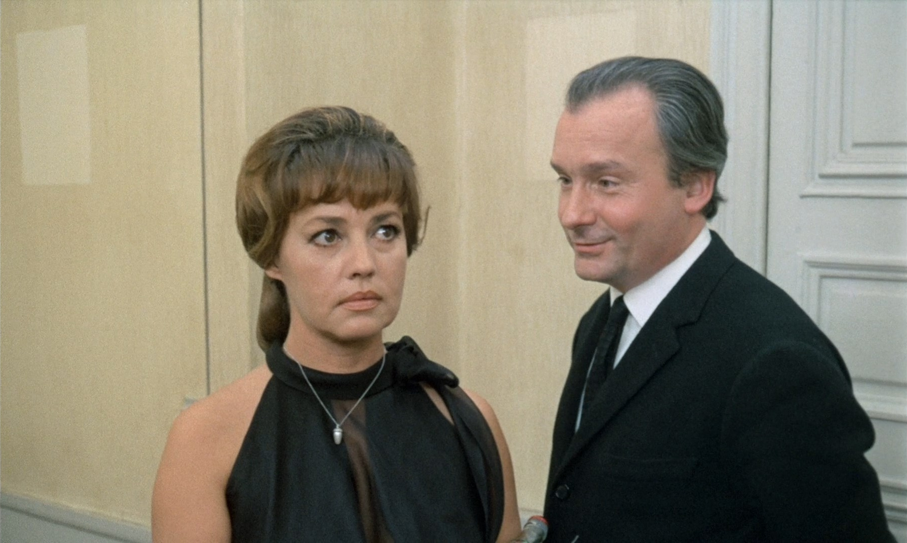 The Bride Wore Black - Jeanne Moreau & Michel Bouquet