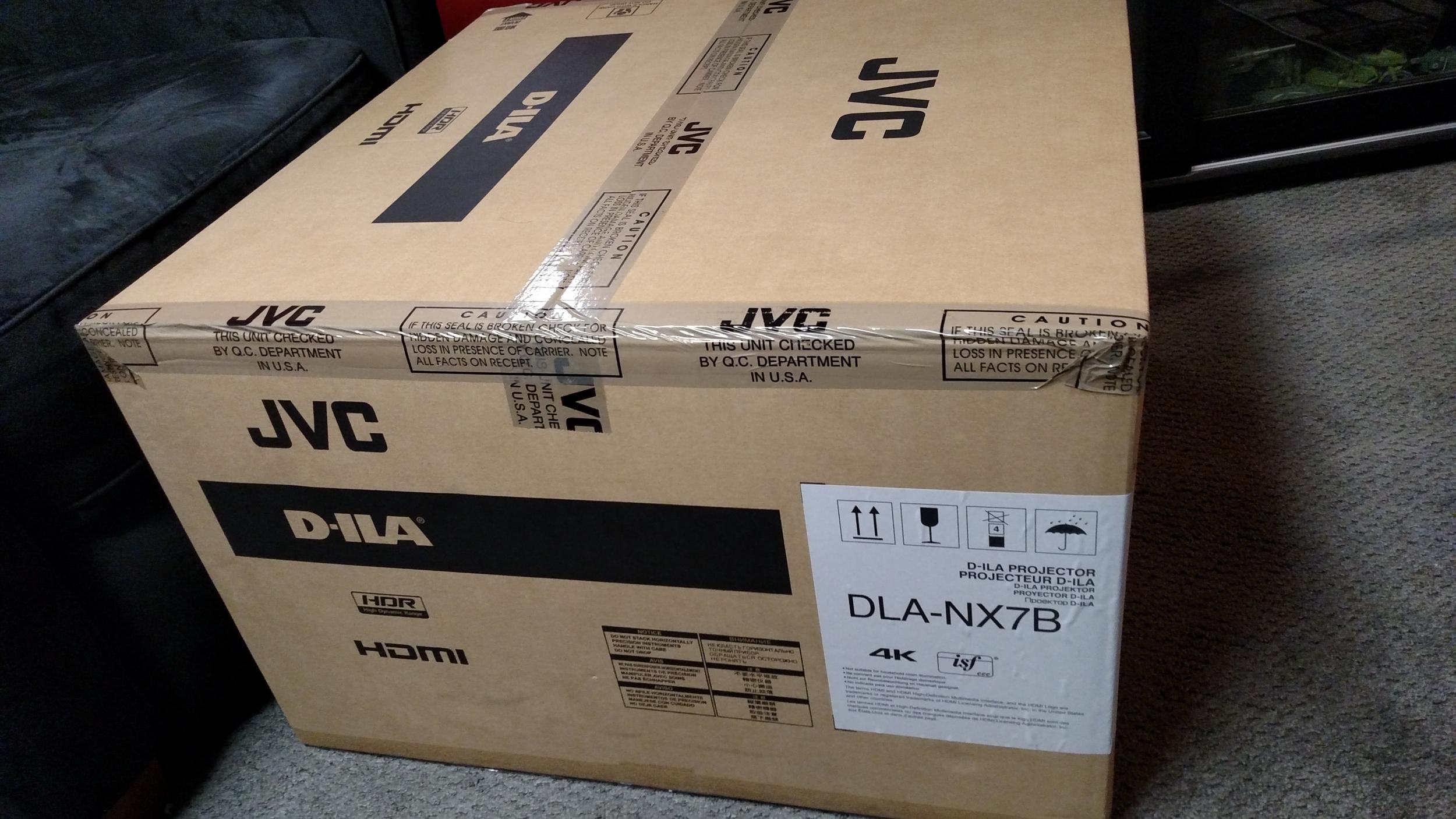 JVC DLA-NX7 Box