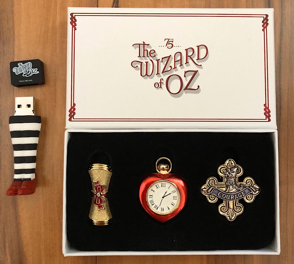 2013 75th Anniversary 3D Blu-ray Box Set Trinkets