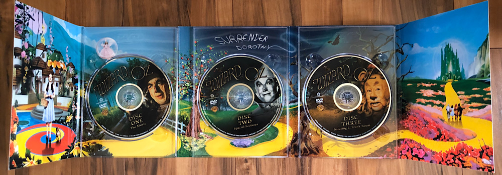 The Wizard of Oz - 2005 Three-Disc Collector's Edition DVD Interior