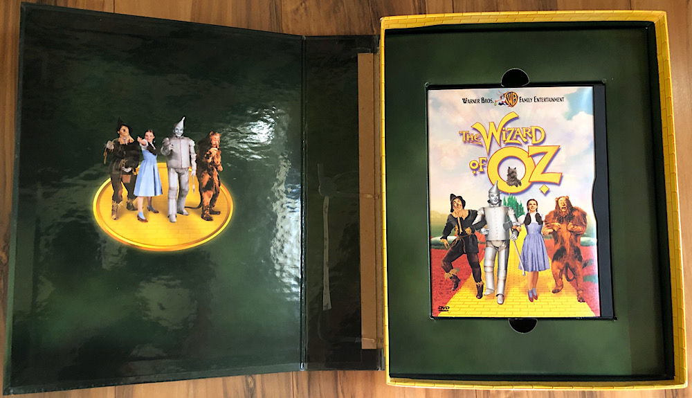 The Wizard of Oz - 1999 Deluxe Edition DVD Interior