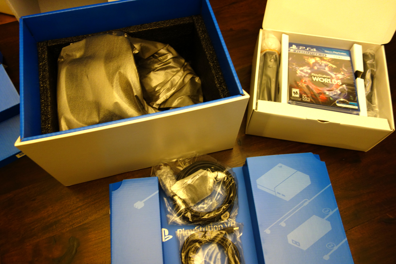 PlayStation VR Launch Bundle Unboxing - Worlds, Move, Camera, Cables