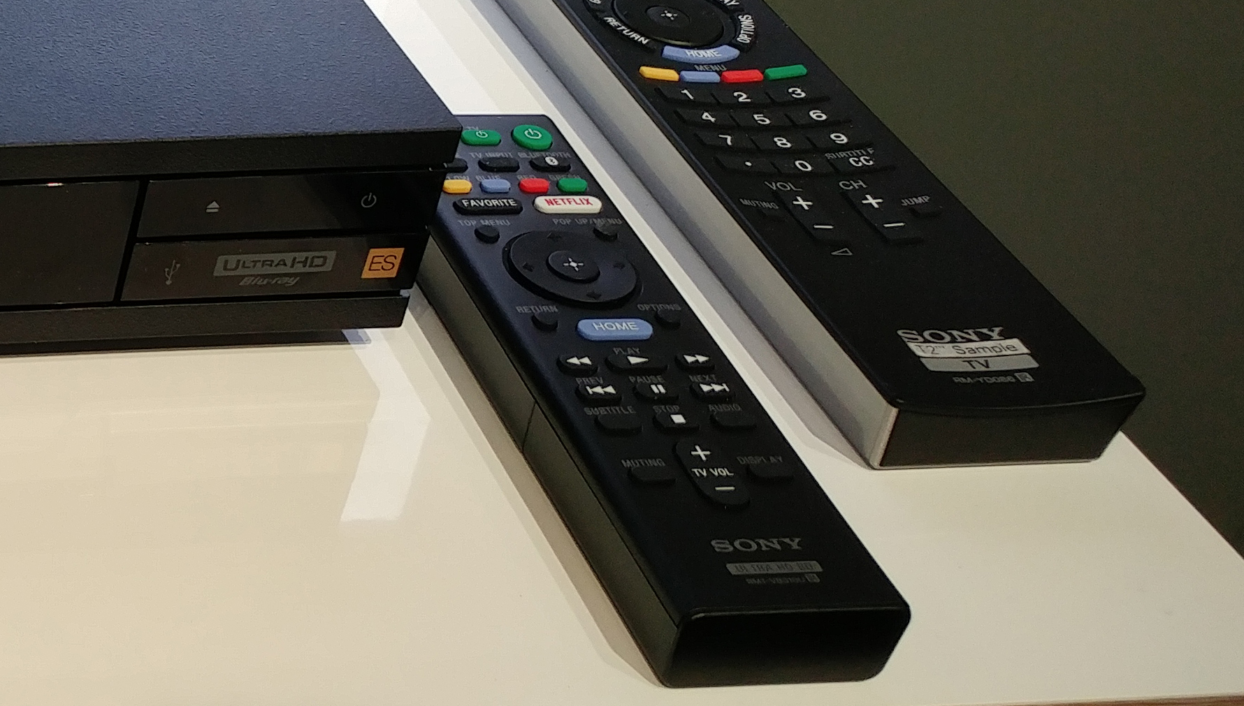 Sony UBP-X1000ES Ultra HD Blu-ray Player CEDIA 2016 Impressions Remote